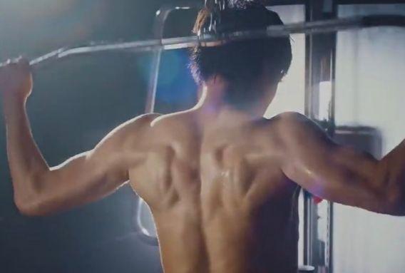 田中圭筋肉